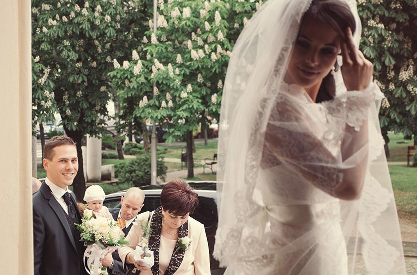 egyedi esküvői fotó pillanat