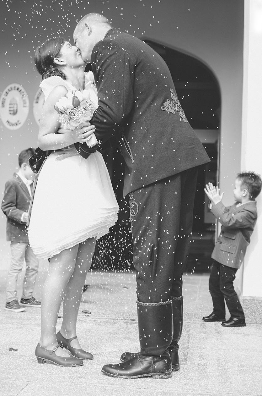 esküvői rizsszórás fotó