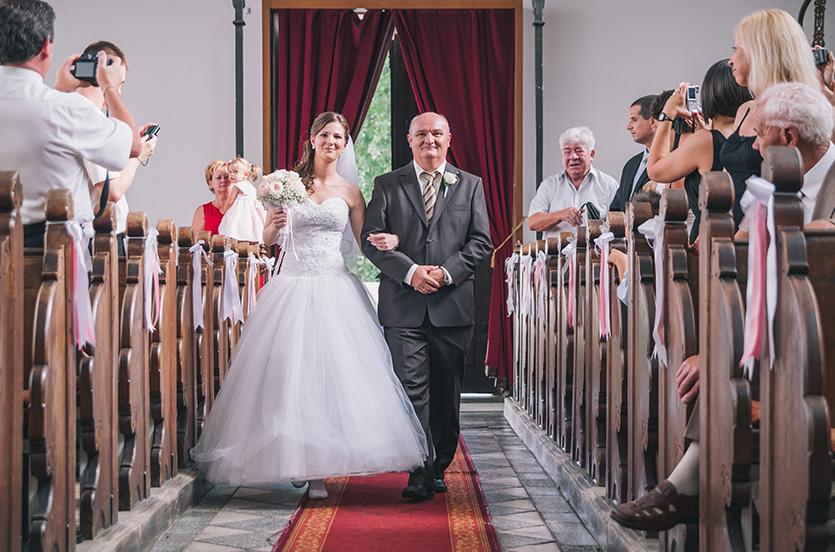 templomi esküvő pécsen