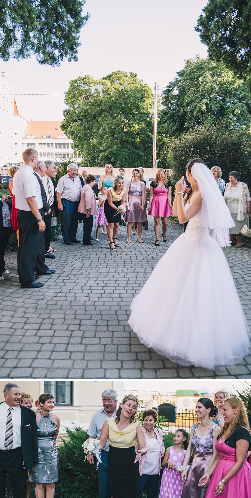 menyasszonyi csokordobás fotó