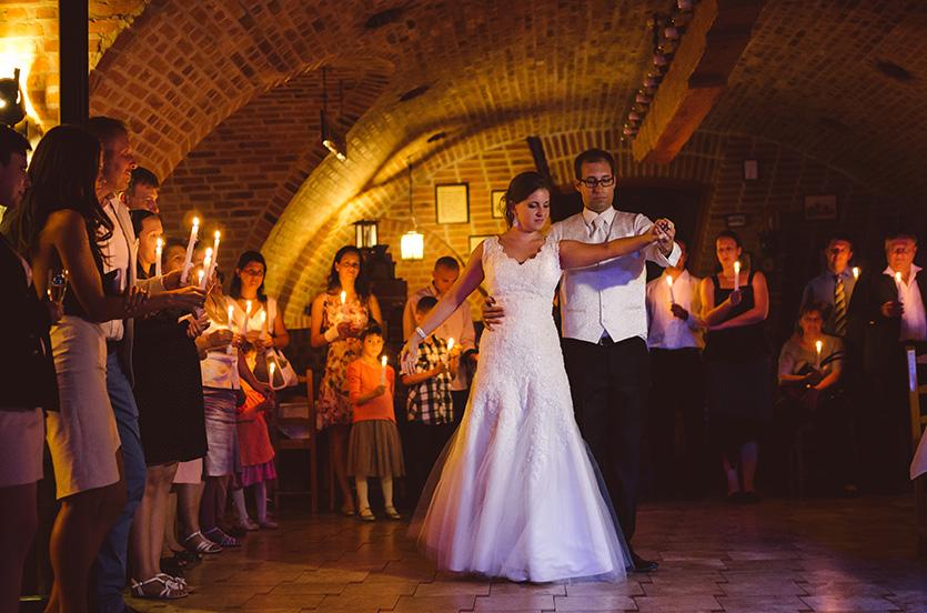 esküvői gyertyafény keringő fotó pécs