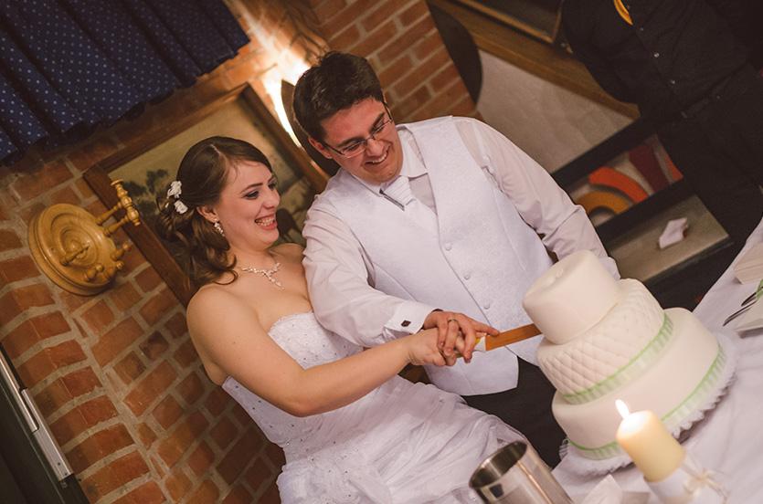 Haru Fotó esküvői fotózás pécsen