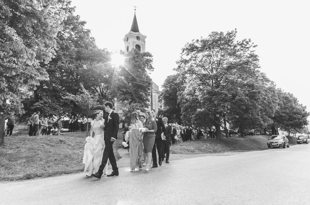 lánycsók esküvői templom