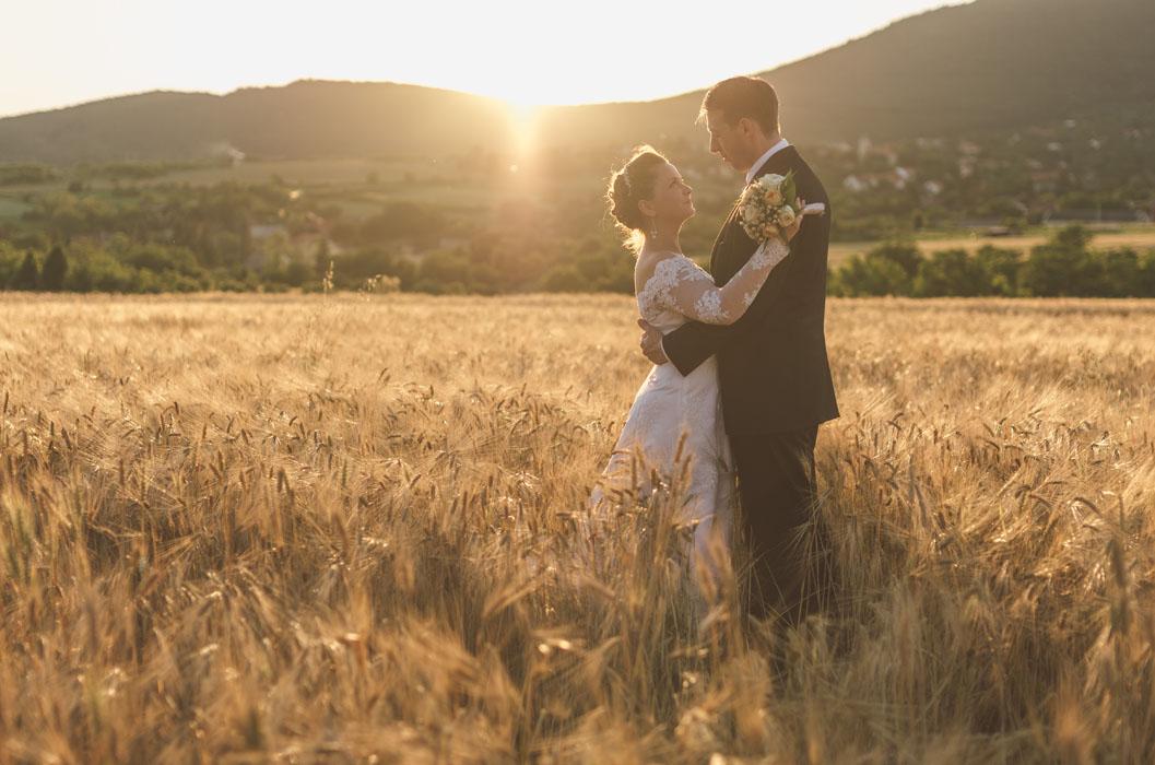 esküvői fotós almalomb