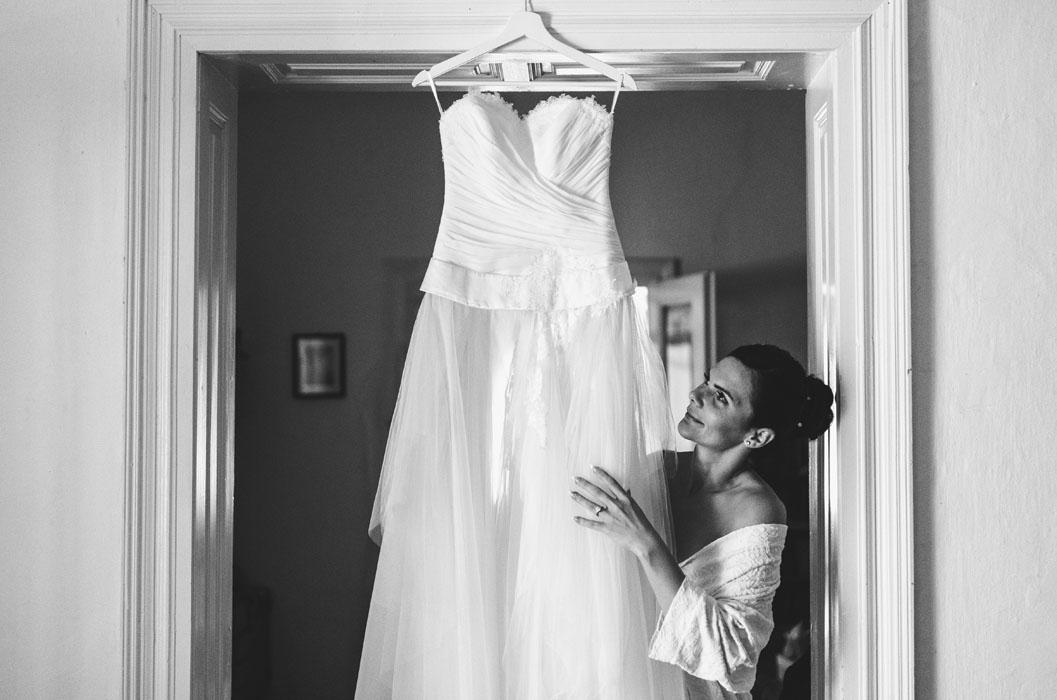 csipke menyasszonyi ruha fotók 92