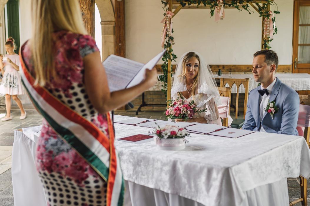 Esküvői fotózás tolna megye