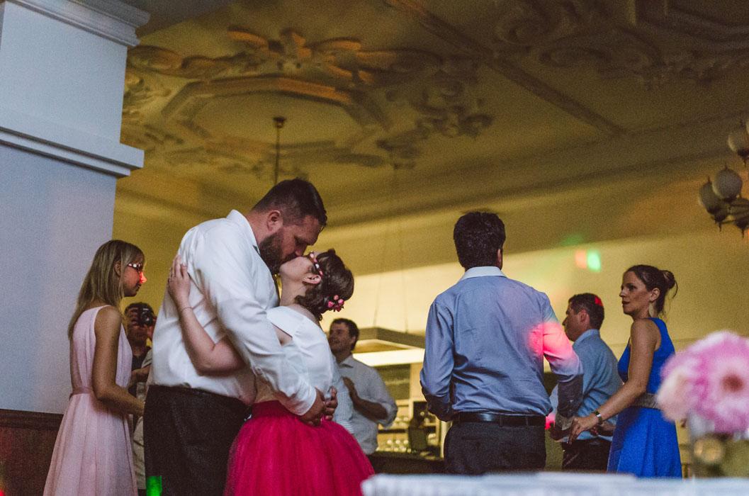 esküvői fotózás Duna Hotel