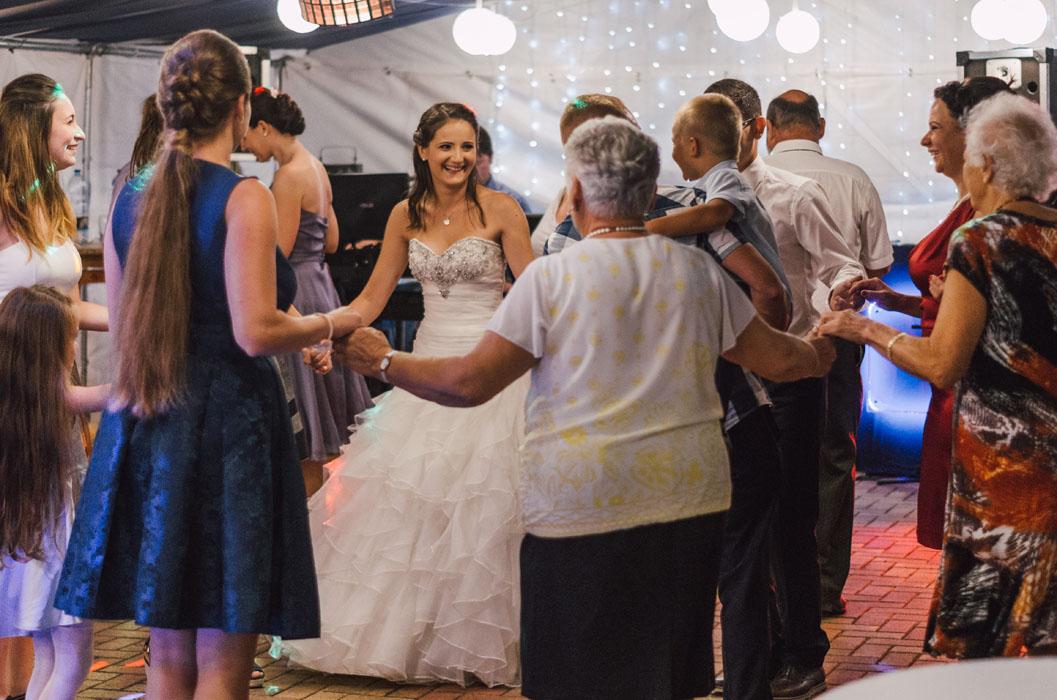 esküvői fotózás Naspolya vendéglő 2