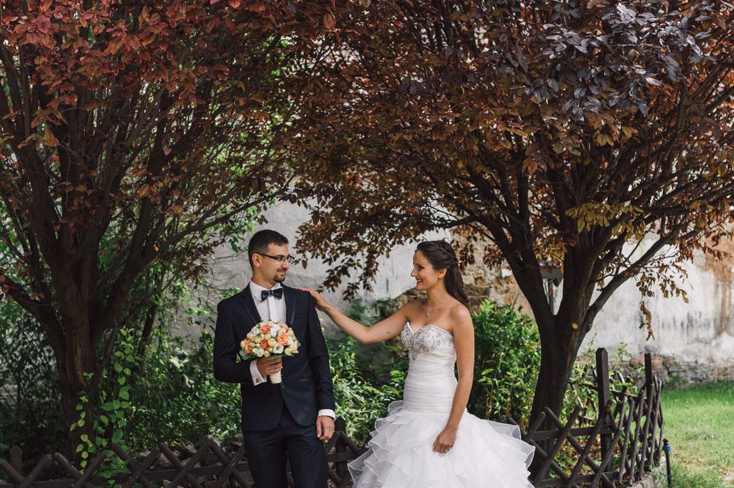 csipke ruha esküvő