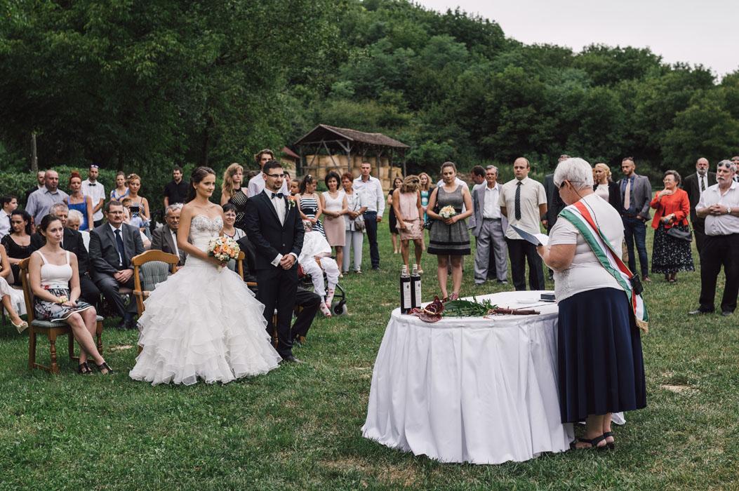 Bátaapáti Naspolya vendéglő esküvői fotó