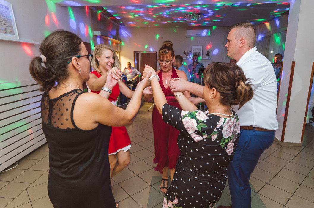 esküvői tánc haru