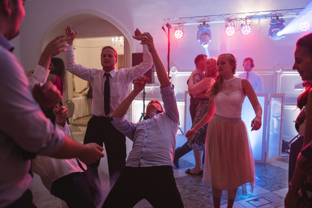 Jillek esküvői dj