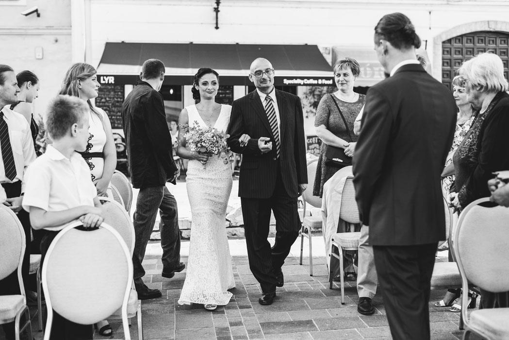 csipke menyasszonyi ruha pécsen
