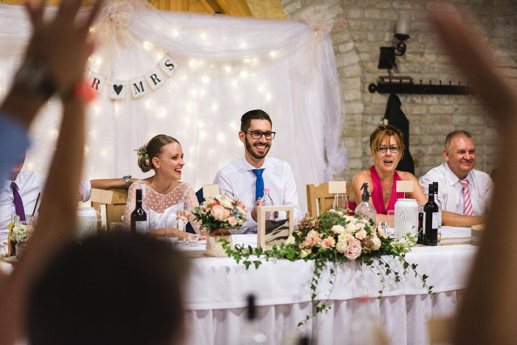 fotós az esküvőn
