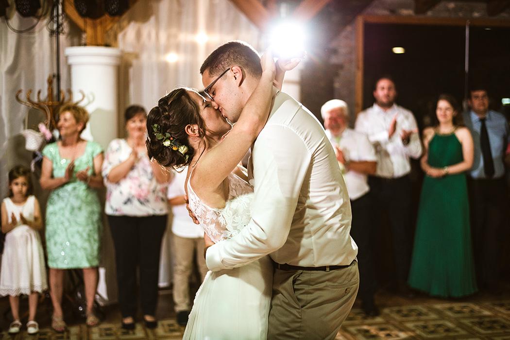 profi esküvő fotósok nagyatád