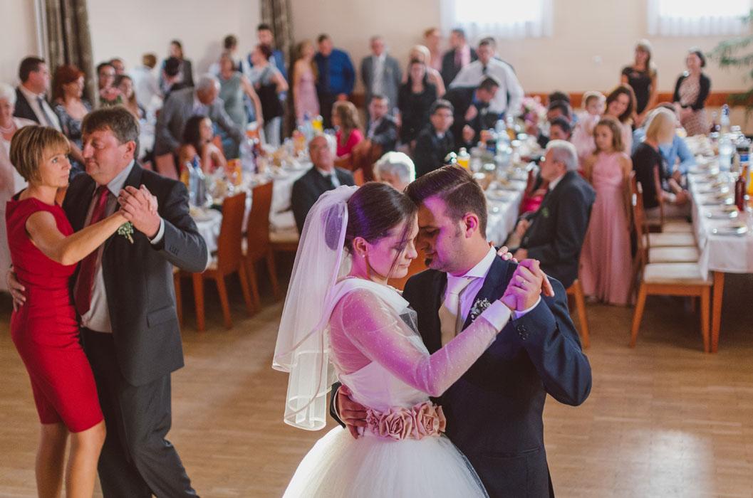 esküvői fotósok szekszárd környékén